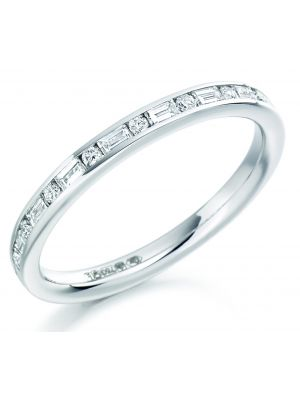 18ct white gold round brilliant & baguette diamond wedding band